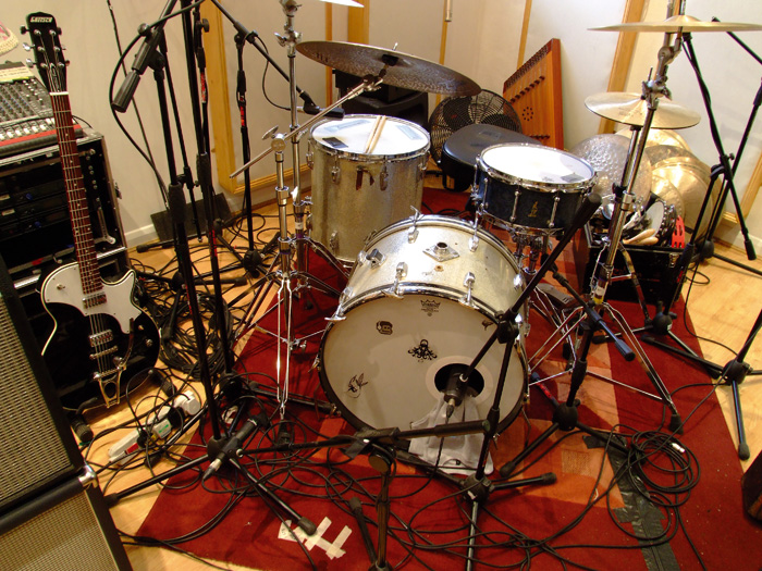 miking up a drum kit in the studio scan pro audio