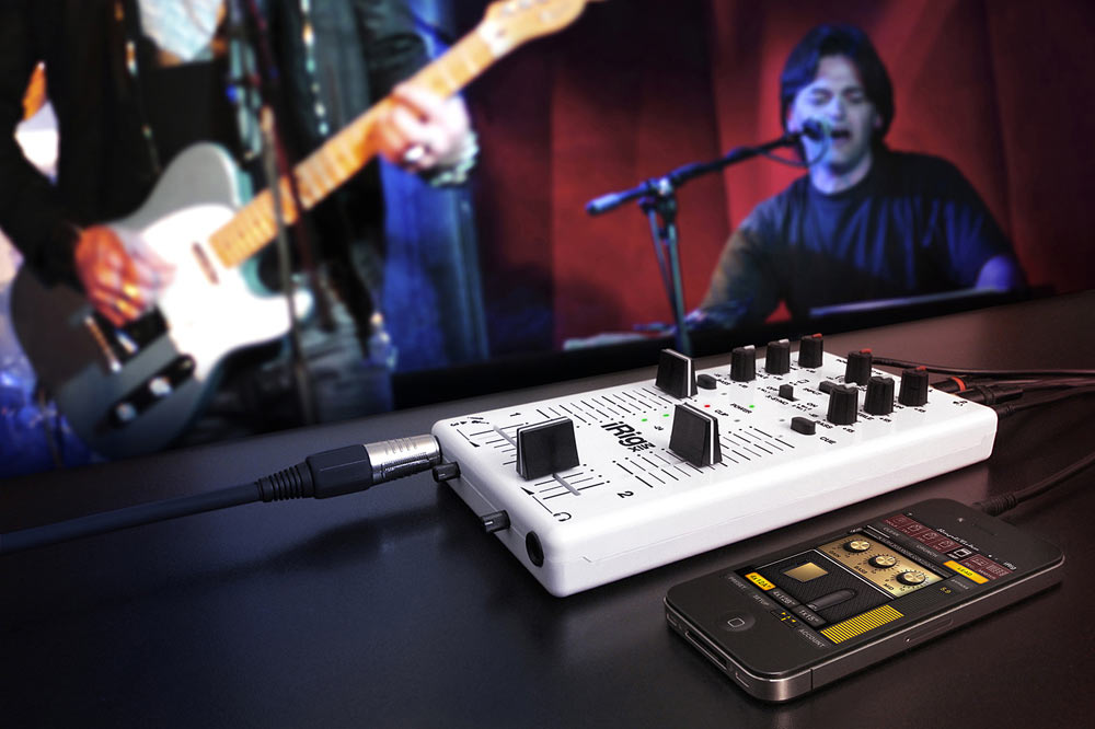 IK Multimedia iRig Mix with Guitar input