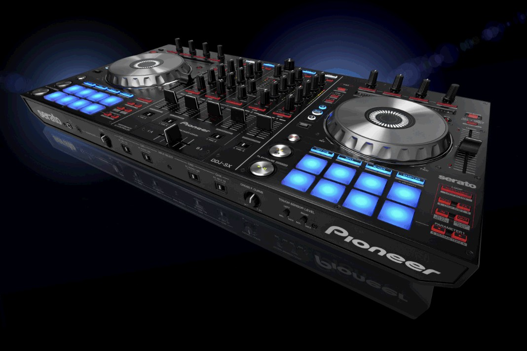 Pioneer DDJ-SX wide shot